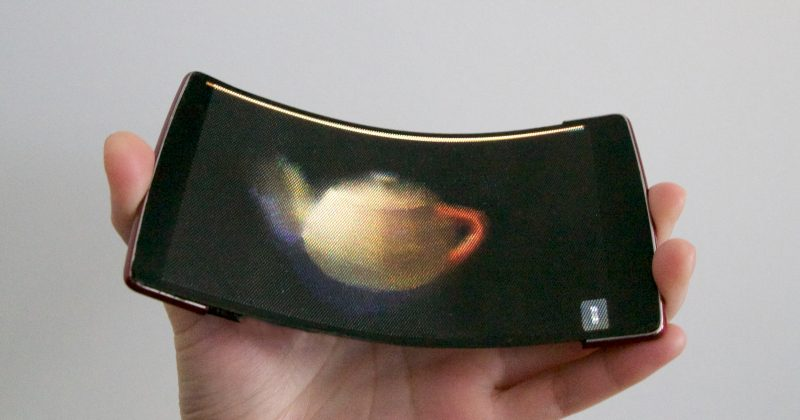 Holoflex is the First Holographic Flexible Smartphone